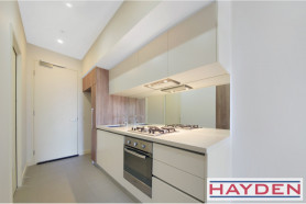 Vogue Plaza  - 1 Bedroom Apartment in South Yarra's most sought after building