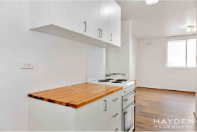 One bedroom apartment in Fabulous Fitzroy North!