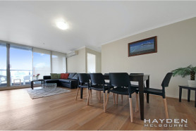 Spacious, Stylish and Sophisticated - FULLY FURNISHED apartment