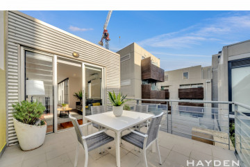 Brilliant and Stunning – Light-filled Living in Prahran