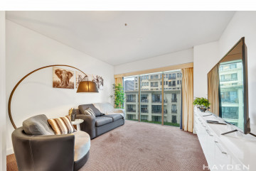 STUNNING LOCATION - Furnished apartment ready to move into